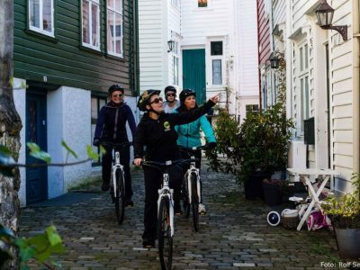 Guided bike ride in Bergen, bike rental Bryggen