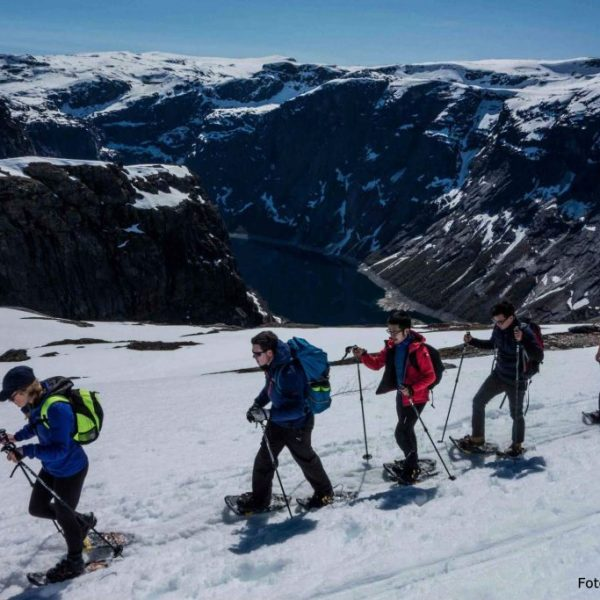 Hiking Trolltunga during winter