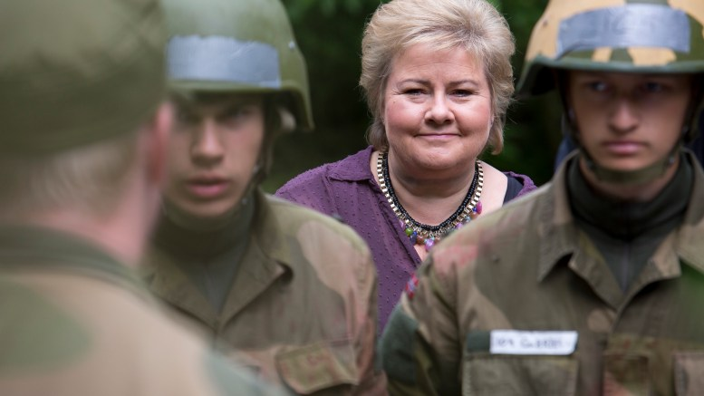 Prime Minister Erna Solberg visited Tuesday Sessvollmoen camp at Jessheim