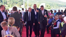Prime Minister Edi Rama, CEO Christian Rynning-Tønnesen, SVP Corporate Communication Bente E. Engesland.