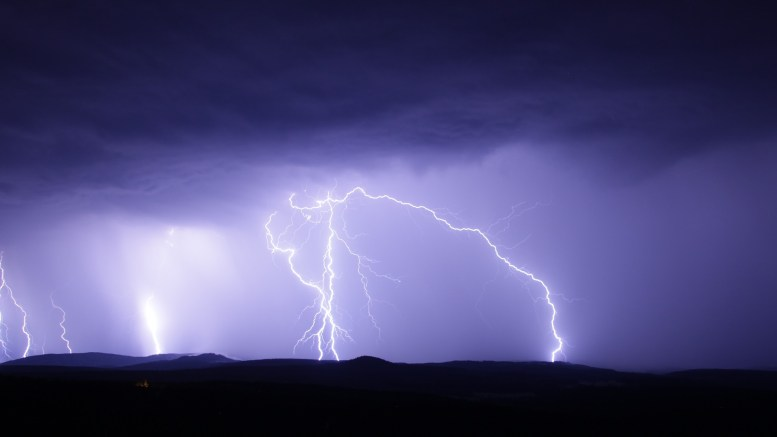 Thunder and Lightning Attention warning Rain Eastern Norway