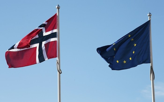 Norwegian and EU Flags