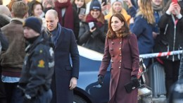 Tarjei Sandvik Moe (t.v) Prince William and Duchess Kate arrived at Hartvig Nissen High School