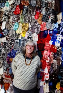 Annemor with her ragpile exhibit in Ose. Photo: Fædrelandsvennen.