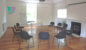 There is plenty of space for large groups to sit and discuss amongst themselves.