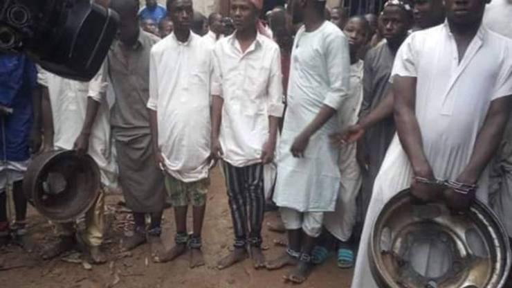Crianças são acorrentadas, torturadas e abusadas sexualmente em escola islâmica na Nigéria 21