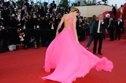 Jessica+Hart+Behind+Candelabra+Premieres+Cannes+5QExux-2zEQl[1]