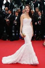 Zhang+Yuqi+Inside+Llewyn+Davis+Premieres+Cannes+SB70LI2D8lLl[1]