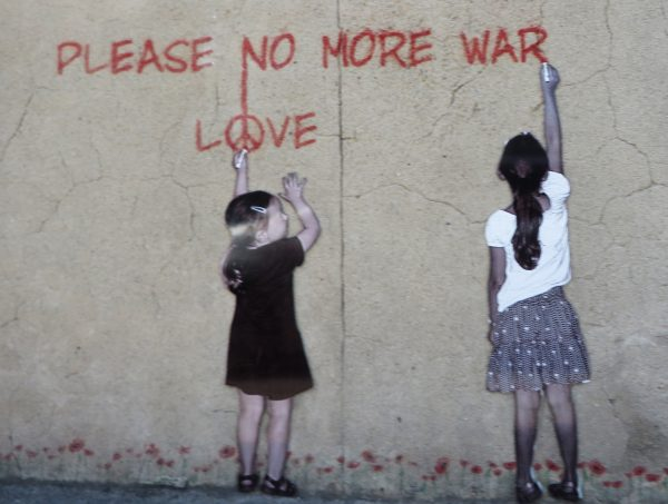 Graffiti als carrers d'Arromanches (França 2016)