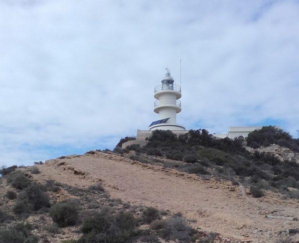 En el extremo del Cabo de las Huertas está el faro (Alicante, 2016)