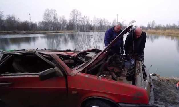 Veja o que acontece quando um canal do YouTube tenta religar um carro que permaneceu seis meses debaixo da água