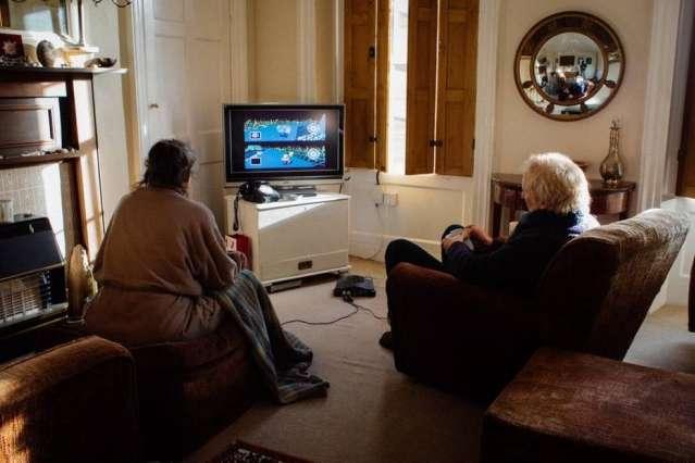 Casal de idosos joga Mario Kart todos os dias para decidir quem fará o chá da tarde