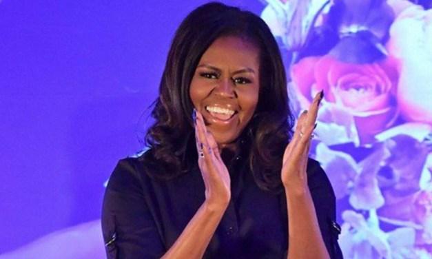 Livro de Michelle Obama quebra o recorde de vendas de 50 Tons de Cinza