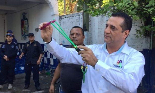 Polícia mexicana utiliza estilingues no lugar de armas de fogo