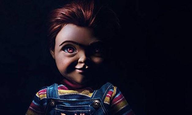 Novo pôster de Brinquedo Assassino coloca fogo em personagem de Toy Story