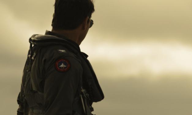 Top Gun: Maverick   Tom Cruise exigiu que elenco voasse em jatos  no longa
