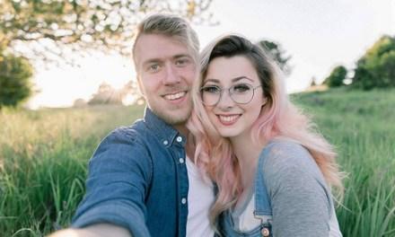 Casal se casa de novo após mulher ter amnesia devido a um trágico acidente