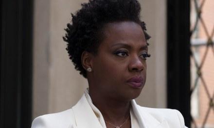"""Viola Davis defende filmes de super-heróis: """"A arte vive no mundo da imaginação"""""""