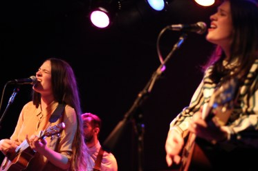 The-Staves-Chicago-Schubas-Adrienne-Thomas5
