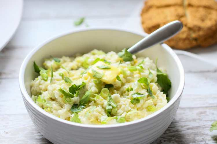 low carb cauliflower colcannon in a white bowl