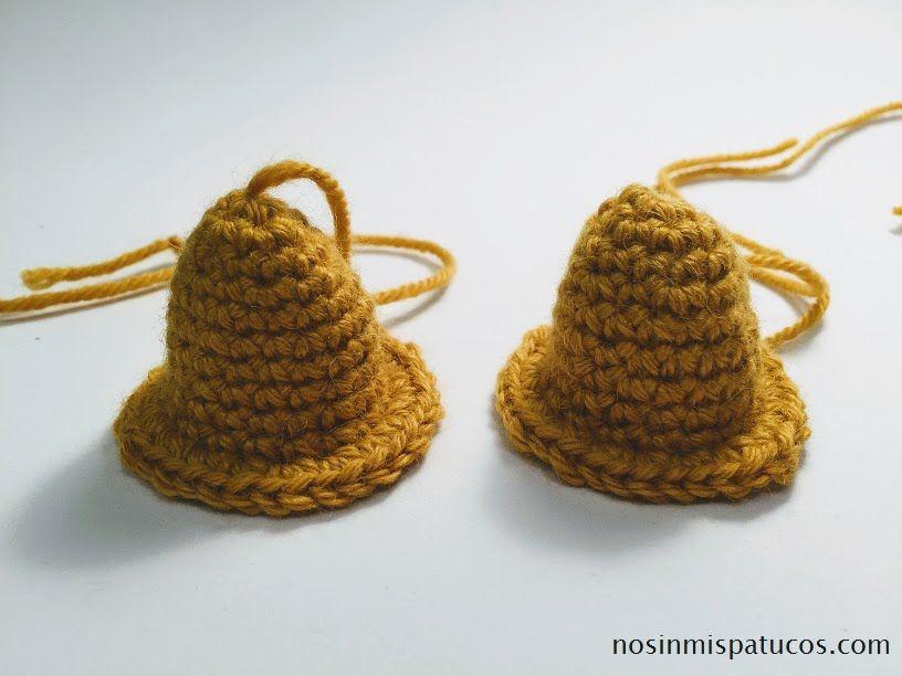 Campanas de Navidad tejidas a crochet.