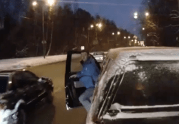 Russian Bus Driver films Accidents