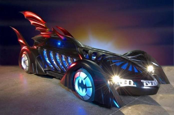 H. R. Giger diseñó un Batimóvil para Batman Forever 1