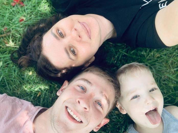 WTF: Influencer rusa se divorcia de su esposo para casarse con su hijastro; ya esperan un bebé 2