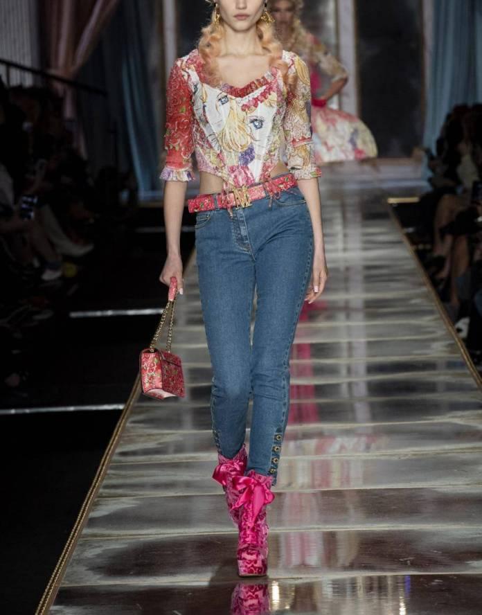 Acusan a Moschino de inspiratear línea de ropa en Rose of Versailles 1