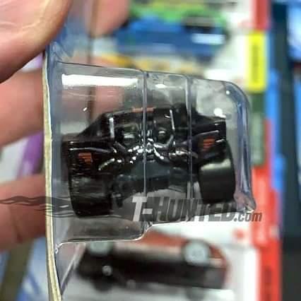 Batman: Revelan las fotos del blister de Hot Wheels para el Batmobile de The Batman 5