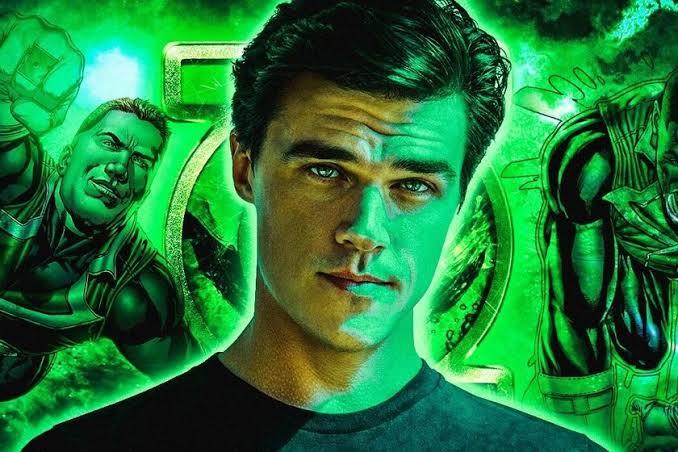Jeremy Irvine llegará como Green Lantern 1