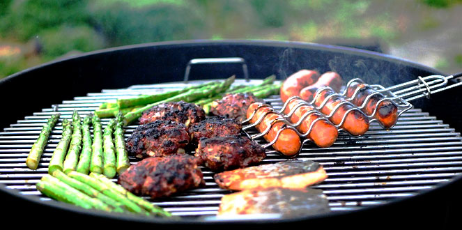 A Nostalgic Summer BBQ Playlist | The Nostalgia Diaries Blog