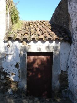 portuguese roofs2