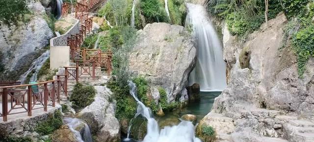 Les Fonts de l'Algar, un refrescante oasis en la sierra alicantina