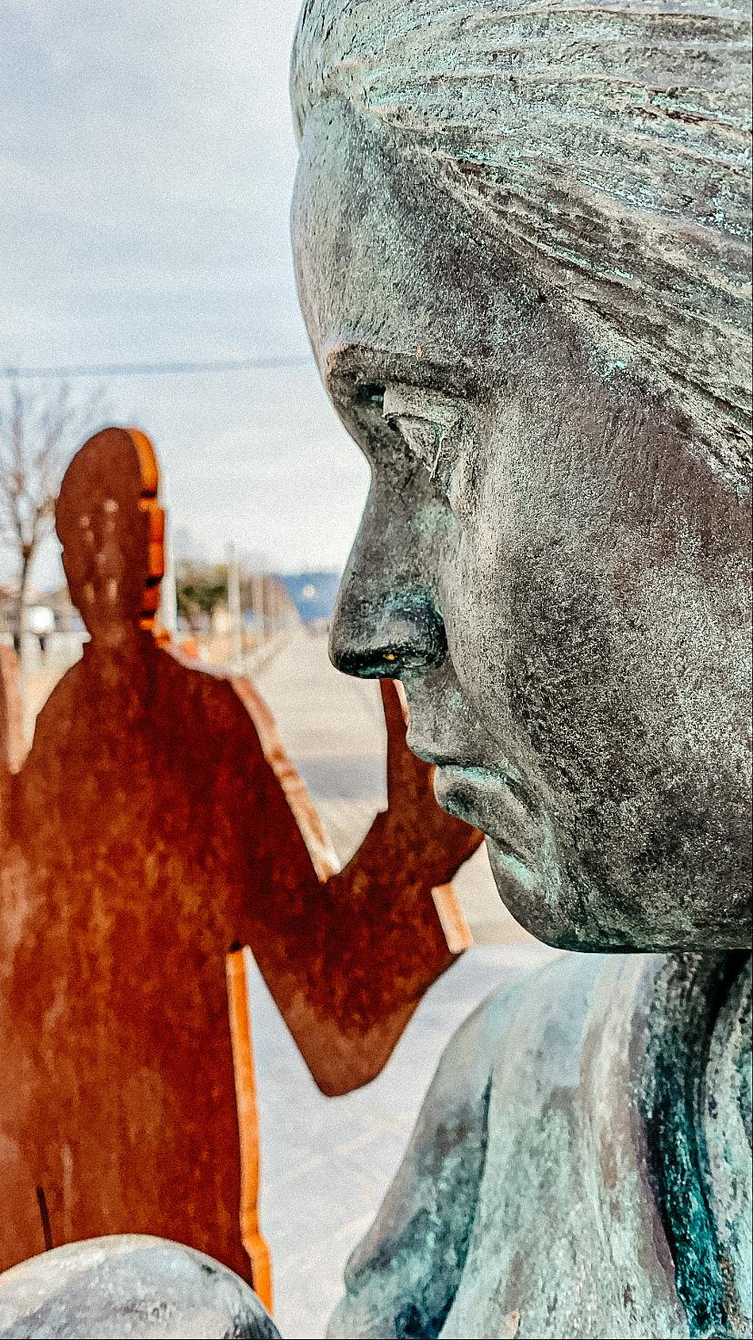 Estatua Emigrantes Gallegos (Puerto de Vigo)