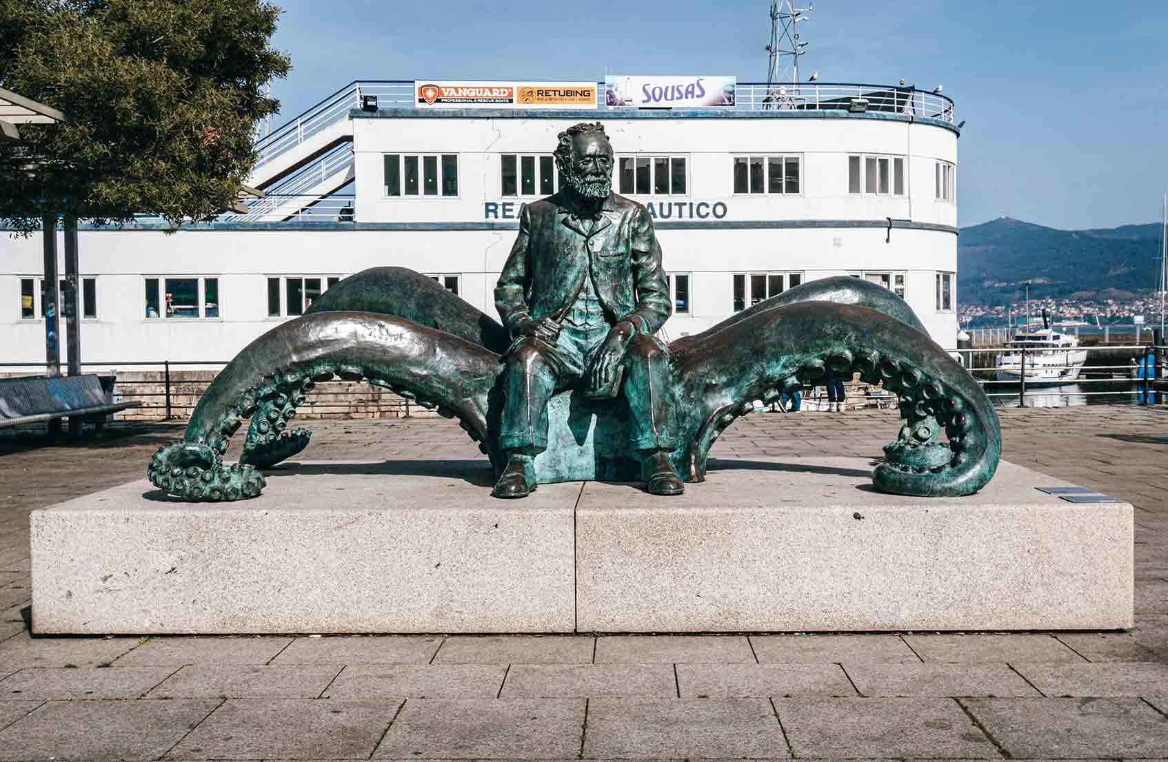 Qué ver en Vigo (Estatua Julio Verne)