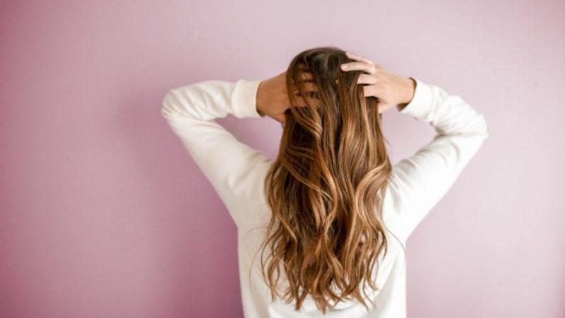 Coco, ricin, argan : quelle huile pour mes cheveux ?