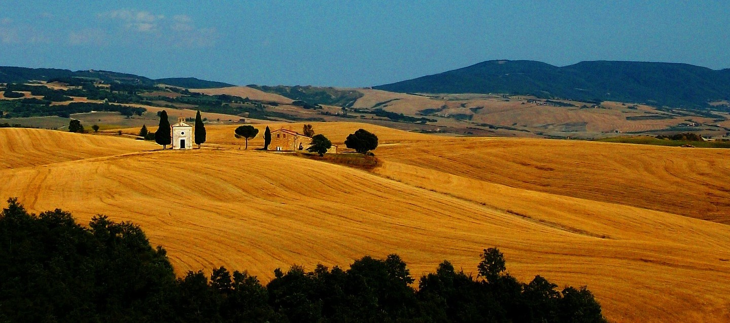 A Drive Through the Val D'Orcia: Experiencing La Dolce Vita in Tuscany!