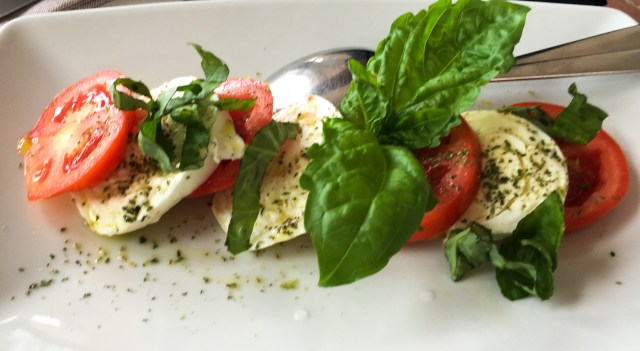 A delicious lunch at Da Gelsomina in Anacapri included a caprese salad.