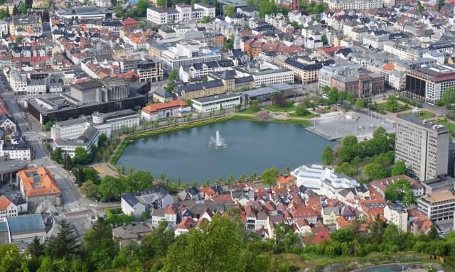 The fountain in Smalungeren Lake in Bergen Norway