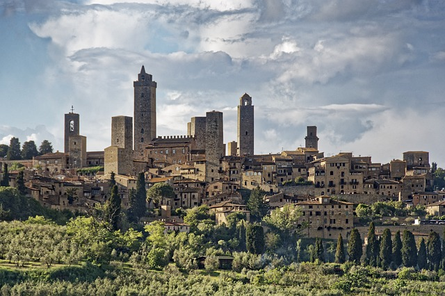 San Gimignano Italy should definitely be on your Tuscan trip itinerary!