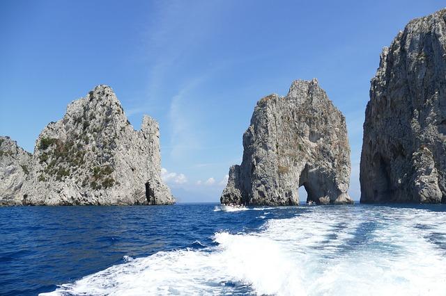 Boat Tour Capri Italy