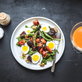 Grilled beets and carrot salad with eggs