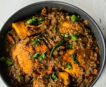 Aamsotto tetul die bengali fish curry