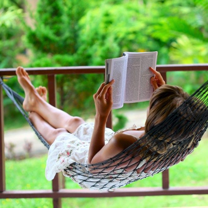book-hammock-rest