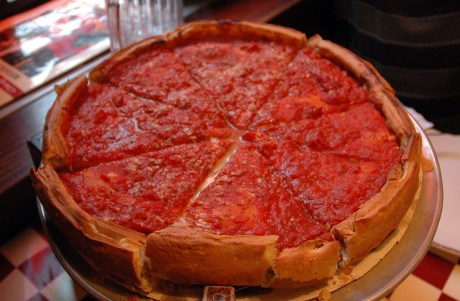 Chicago_Style_Pizza_with_Rich_Tomato_Topping