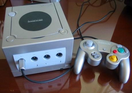 Nintendo_Gamecube_Silver