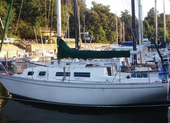 The Defiant - Columbia 8.7 Sailboat