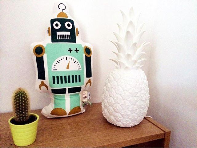 the-kid-who-pineapple-lamp