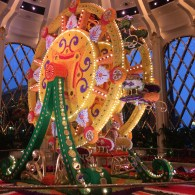 An ornamental ferris wheel made entirely from fresh flowers at the Wynn Casino